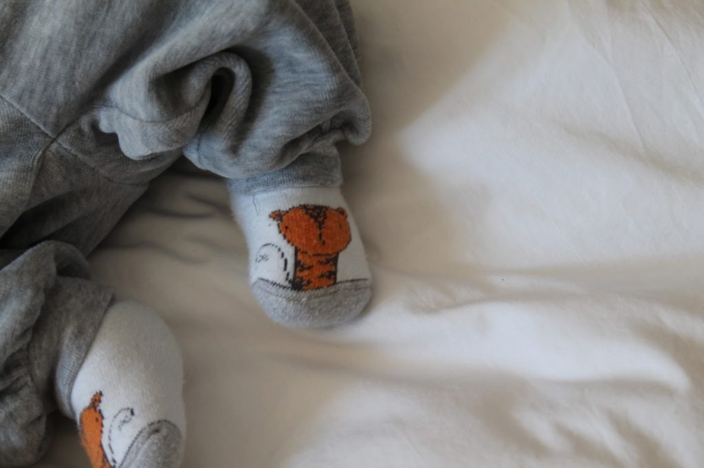 Baby feet tiger socks