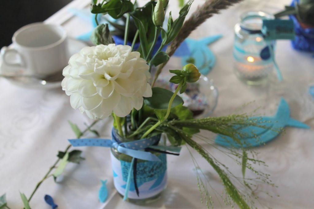 Tischdekoration Blume Taufe