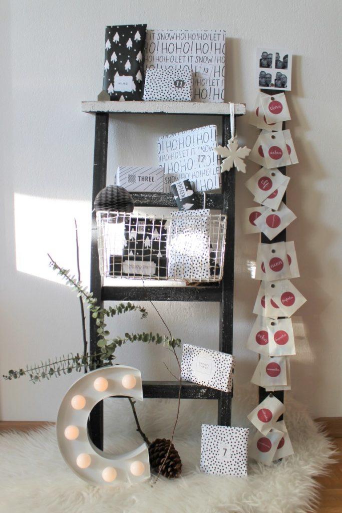 DIY Adventskalender schwarz-weiss Leiter Klotz auf Klotz
