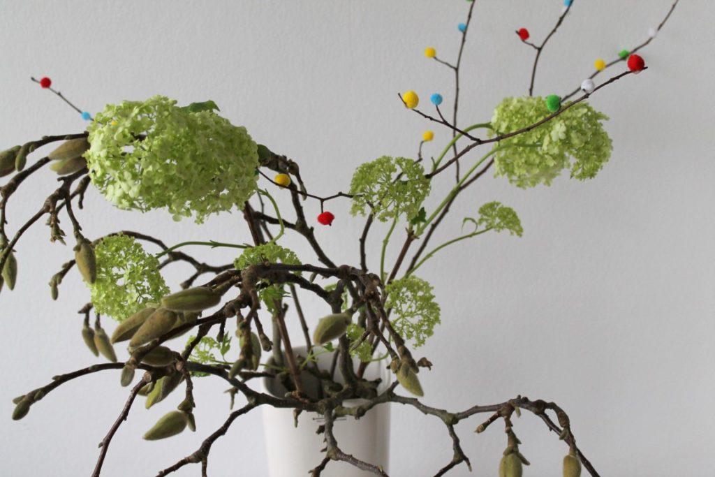 Magnolien und Pom Pom Zweige