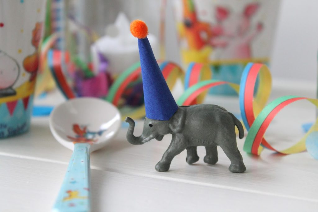 Kindertisch Deko Kindergeburtstag Zirkus Party