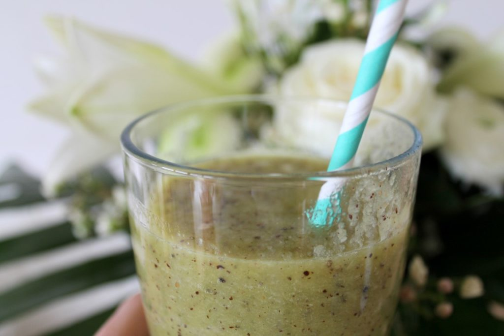 Pause im Glas Avocado Green Smoothie Mittagspause Lunch