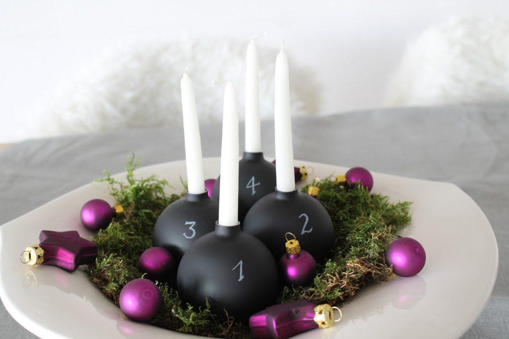 DIY Adventskranz Weihnachtskugeln Tafellack Kupfer Natur Holz Jules kleines Freudenhaus