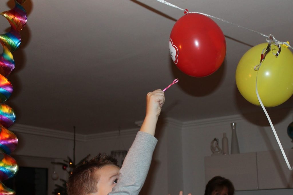 Countdown Baloons Silvester New Years eve with kids