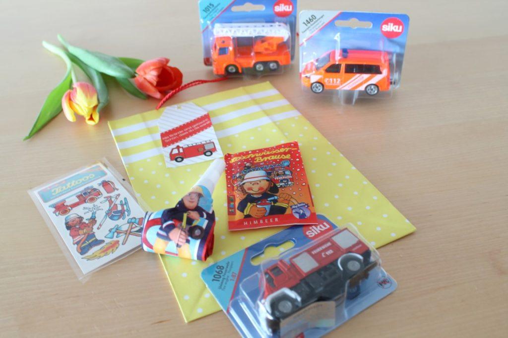 Feuerwehr Geburtstag Kindergeburtstag Feuerwehrmann Sam Jules kleines Freudenhaus Mitgebsel Tueten Feuerwehrparty