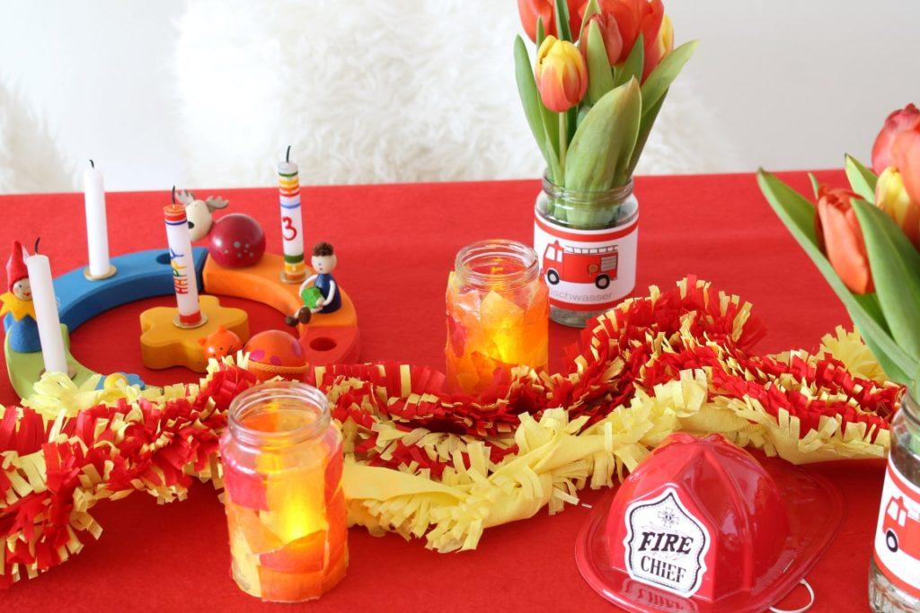 Feuerwehr Geburtstag Kindergeburtstag Feuerwehrmann Sam Jules kleines Freudenhaus Tischdeko Geburtstagstisch