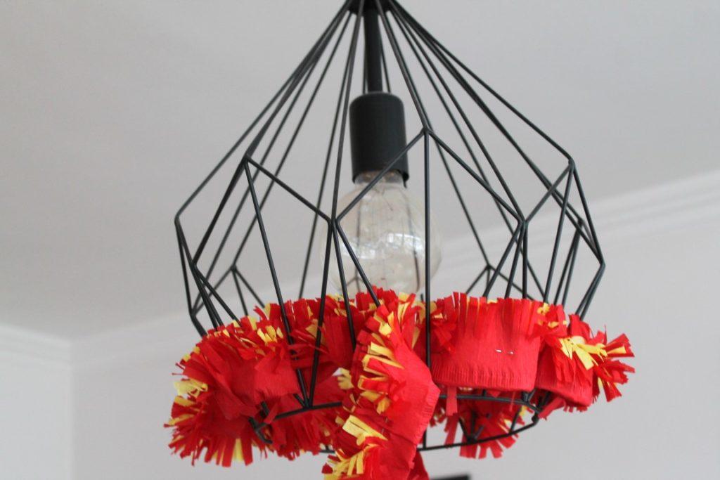 Feuerwehr Geburtstag Kindergeburtstag Feuerwehrmann Sam Jules kleines Freudenhaus Raumdeko Lampe