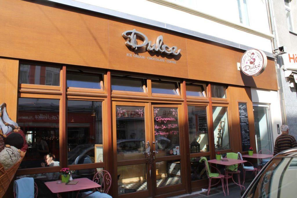Dulce Cafe Duesseldorf Nordstrasse Jules kleines Freudenhaus