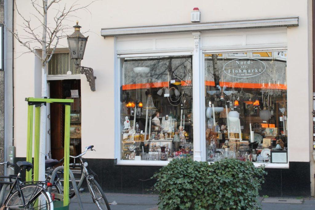 Troedelmarkt Flohmarkt Duesseldorf Nordstrasse Jules kleines Freudenhaus