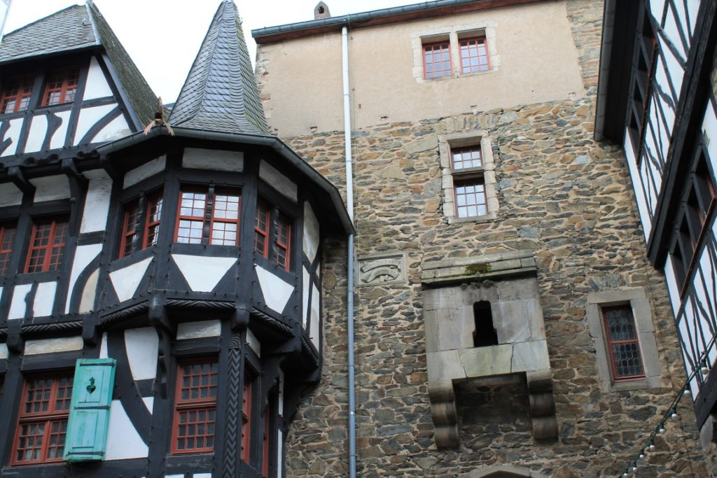 Schloss Burg Solingen Ausflugstipp Ferientipp mit Kindern Bergisches Land