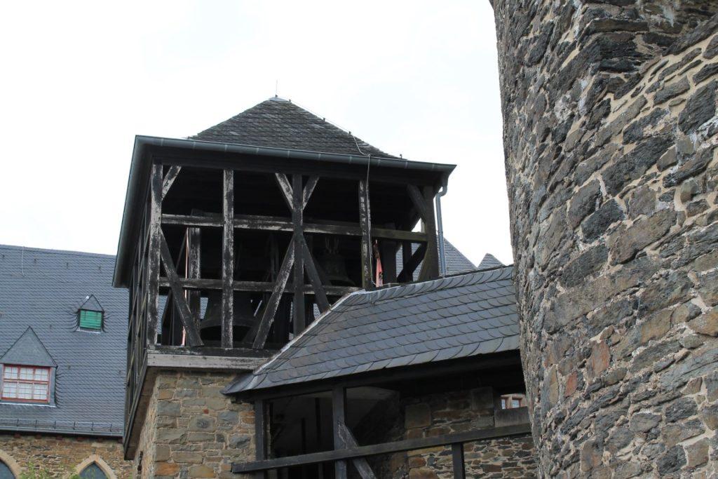 Schloss Burg Solingen Glockenturm Ausflugstipp Ferientipp mit Kindern Bergisches Land