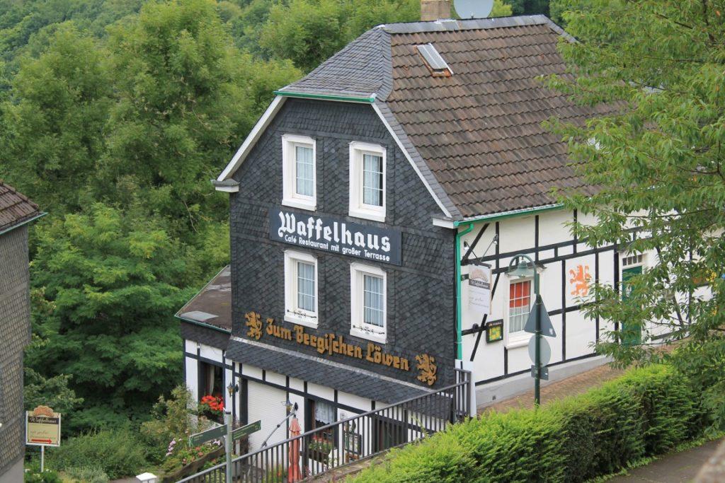 Schloss Burg Solingen Waffelhaus Ausflugstipp Ferientipp mit Kindern Bergisches Land