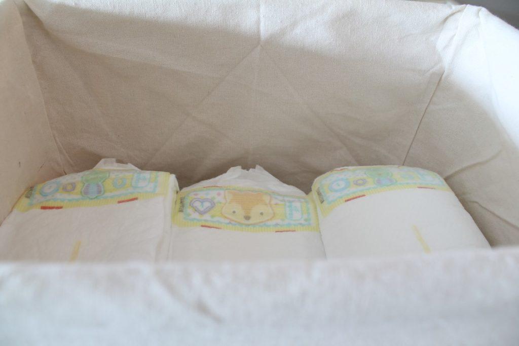 Windeln Ordnung Trick Babykleidung Wickelkommode Koerbe vivanno Jules kleines Freudenhaus