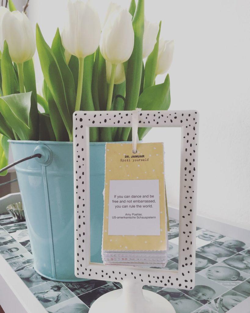 DIY Kalender IKEA Hack Flow Magazin Kalender Pintor Marker Jules kleines Freudenhaus