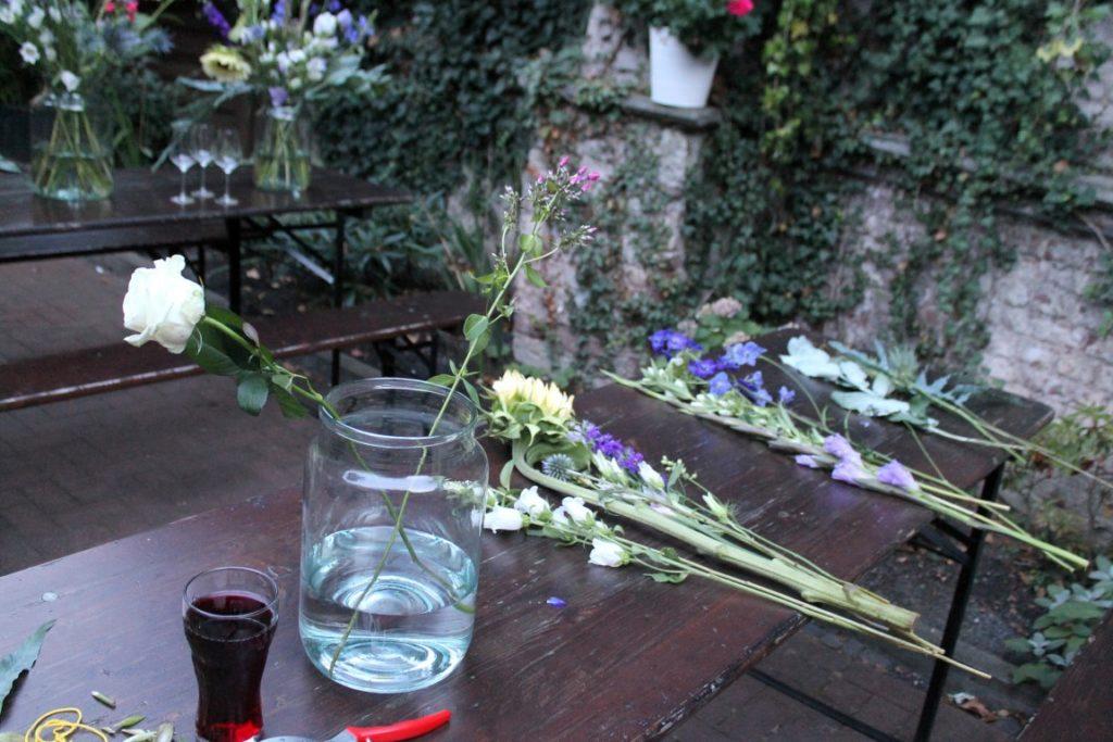 Blumen selber arrangieren freier Strauss Jules kleines Freudenhaus