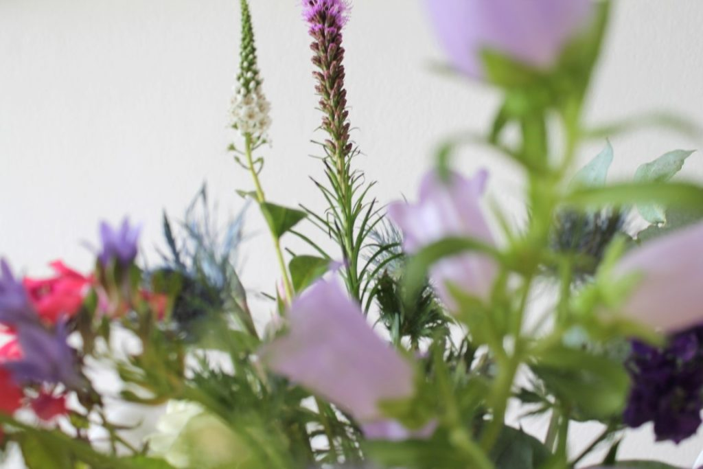 Glockenblume Strauss bloomon in Vase S Jules kleines Freudenhaus