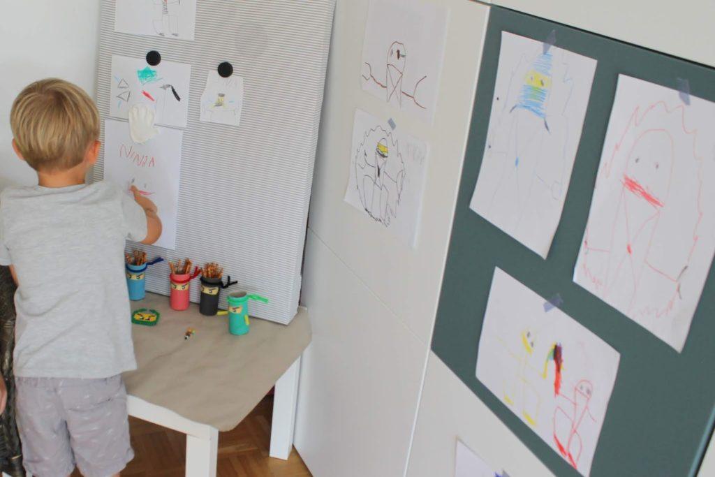 Exponat und Fuehrung Ninjago Lampe IKEA Hack Jules kleines Freudenhaus