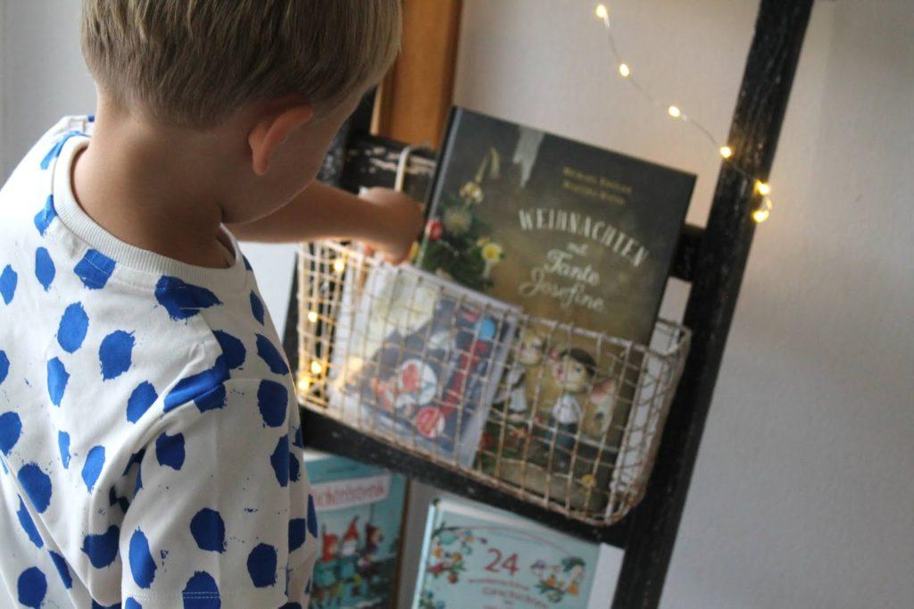 Buecherei spielen Kinder Holzspielzeug Weihnachten Laptop Bloomingville Shirt Concept Store tausendkind Jules kleines Freudenhaus