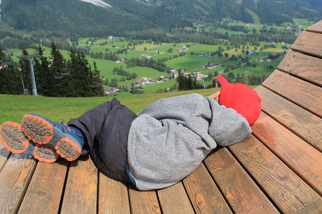 Ausblick Berge Gipfelstürmer Wanderurlaub mit Kind Jules kleines Freudenhaus