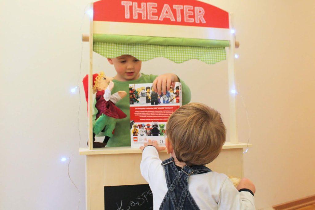 Kasperlstheater Theater spielen fuer Kinder Winterideen Jules kleines Freudenhaus