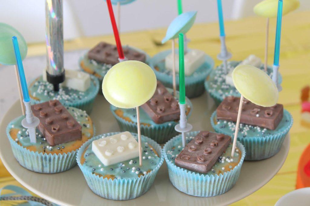 Muffins Star Wars LEGO Kindergeburtstag Lichtschwerter Jules kleines Freudenhaus