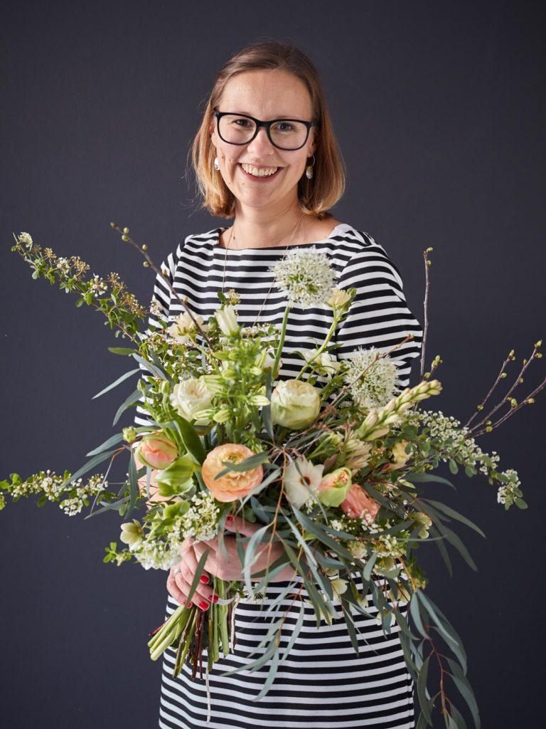 Fruehlingsstrauss und ich Julia Danner 1000 gute Gruende fuer Blumen Workshop Koeln Jules kleines Freudenhaus