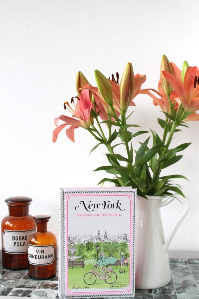 Lilien und New York Fashion- und Lifestyle-Guide Buchtipp Jules kleines Freudenhaus