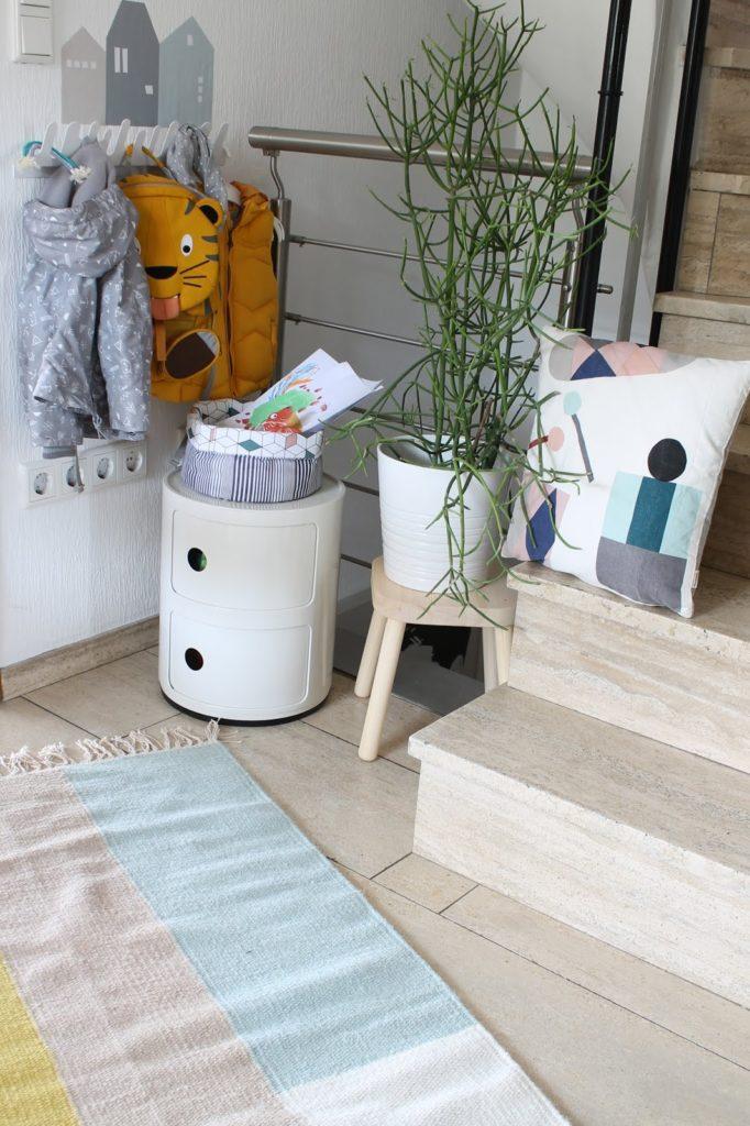 Makeover Flur Kindergarderobe Design Kartell Ferm Living Jules kleines Freudenhaus