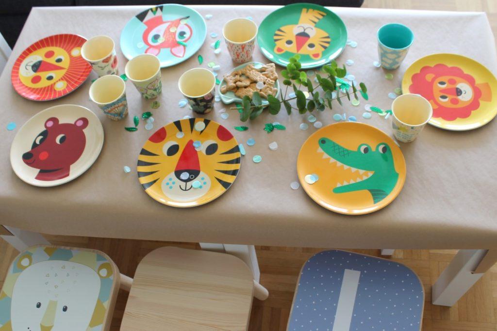 Kindertisch Geburtstagstisch Tiere Teller OMM Design Kindnergeburtstag