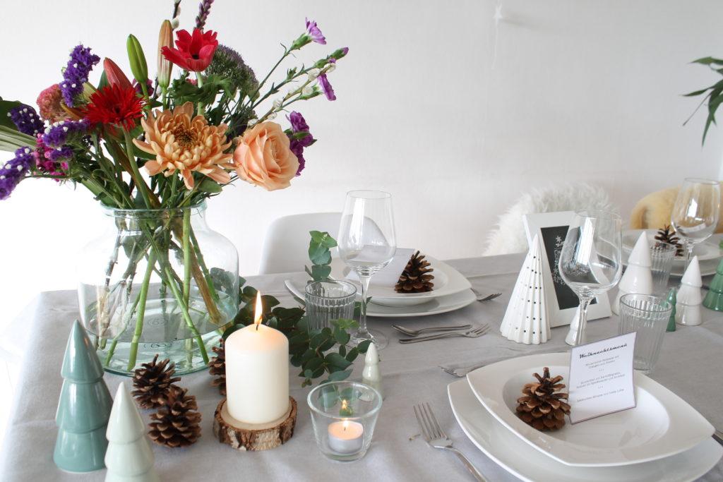 Tischdekoration Weihnachten skandinavisch NAturtöne