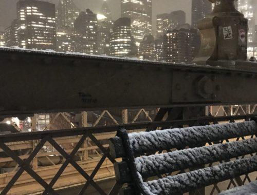 Brooklyn Bridge NEw York in snow