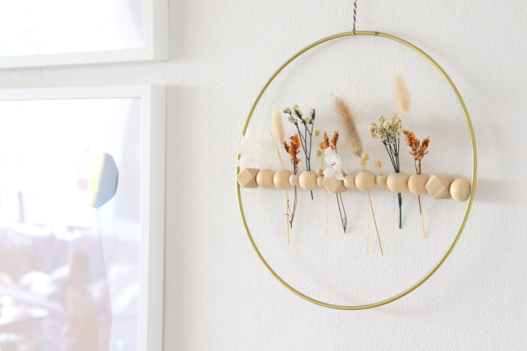 DIY Kranz aus Trockenblumen Wandbehang