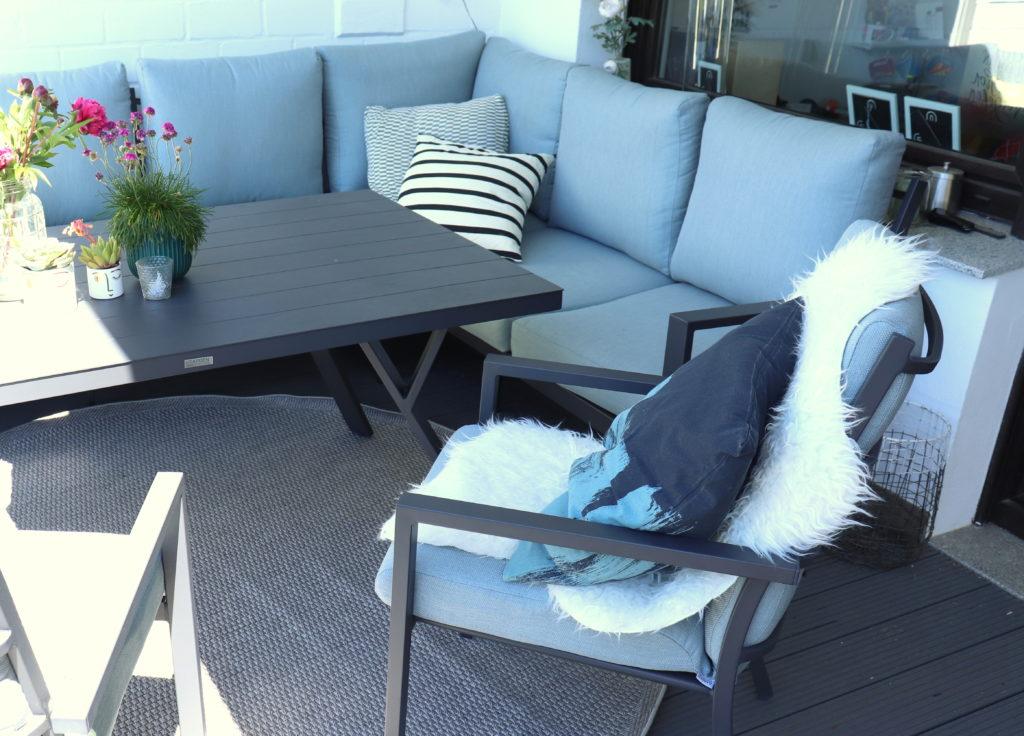 Sitzecke_Couch_Garten